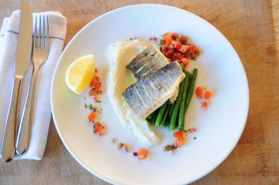 Meriden, UK: Pan Fried Sea Bass