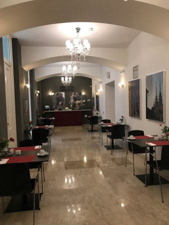 Well restored Hotel