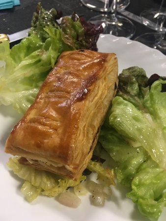 Restaurant chez claudette dans vieux moulin avec cuisine for Cuisine by claudette