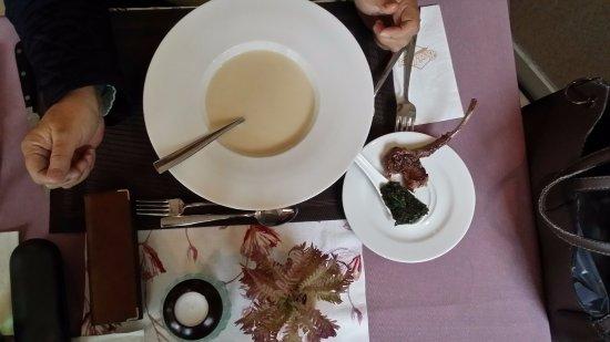 Bori Mami kávézó és étterem: Tormakrémleves, borjúborda és medvehagyma
