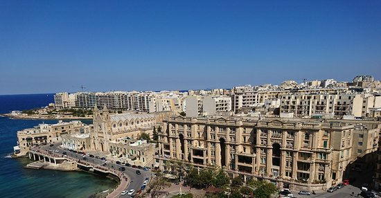 Le Meridien St. Julians : View from the roof pool