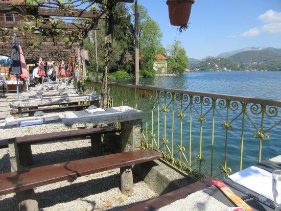 San Maurizio d'Opaglio, Italy: Bella vista durante un pranzo...o no ?