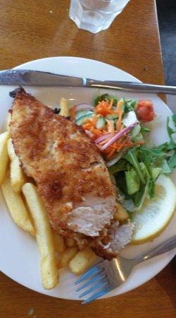 Brighton, Australia: Chicken schnitzel
