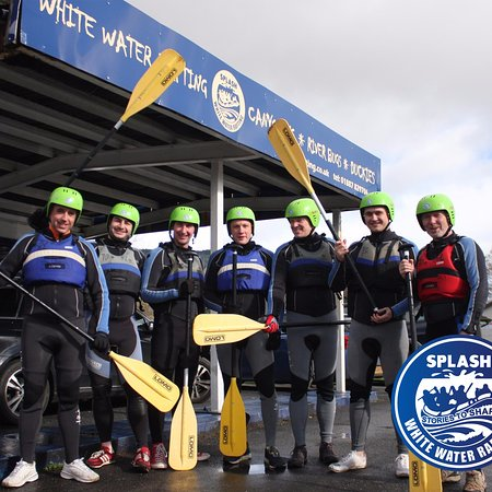 Aberfeldy, UK: The boys are ready White Water rafting on the River Tay .
