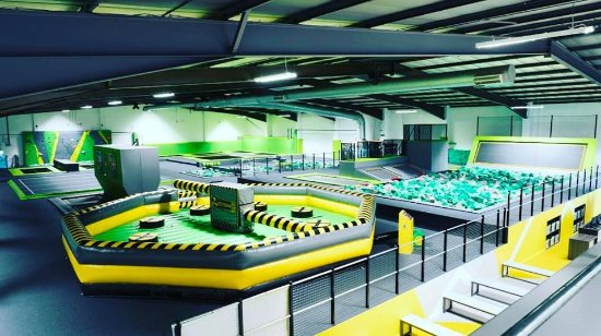 Luton, UK: Huge trampoline park