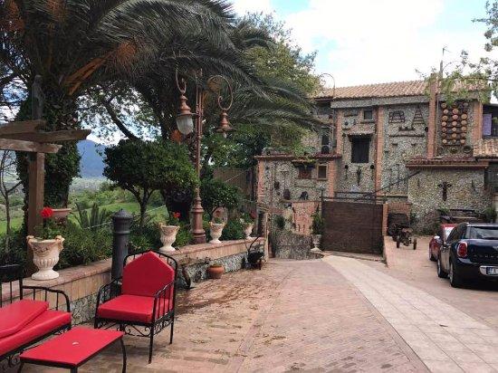 Montecorvino Pugliano, Italy: locale