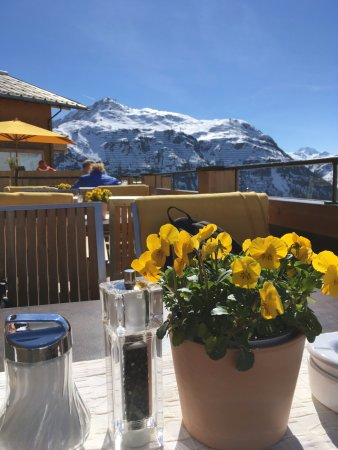 Hotel Mohnenfluh: Terrasse mit herrlicher Aussicht