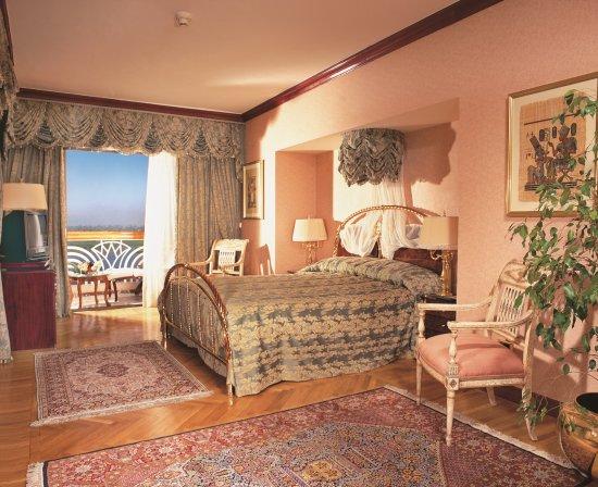 Sonesta St. George Hotel Luxor : Royal suite - Bedroom area