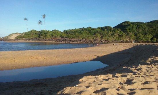 Mataraca, PB: Ponta da praia, encontro do rio com o mar