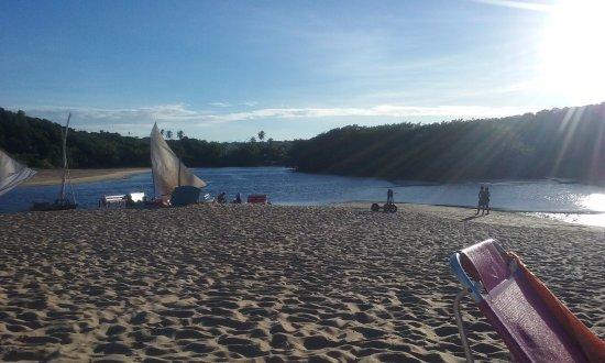 Mataraca, PB: Fim de tarde, maré baixa e muita calmaria