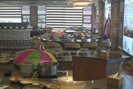 Restaurant layout picture of famous house bibimbap