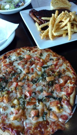 Fond du Lac, WI: Margarita pizza and the half-rack of ribs (falling off the bone), salad and fries.
