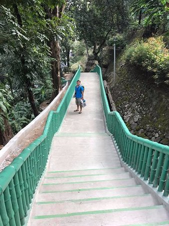 Antipolo City, Filipinas: way to the cottages
