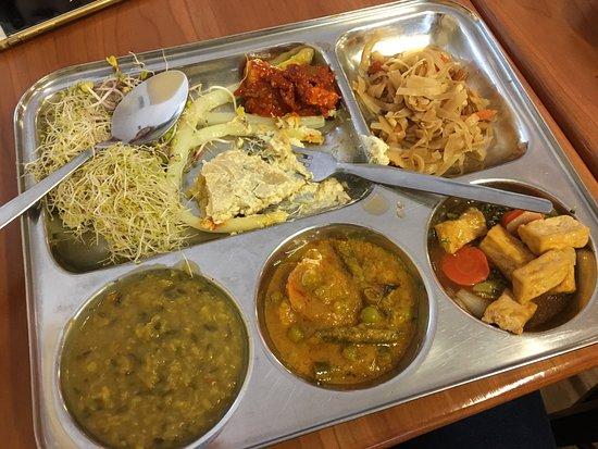 Beas Vegetarian Dhaba : photo0.jpg