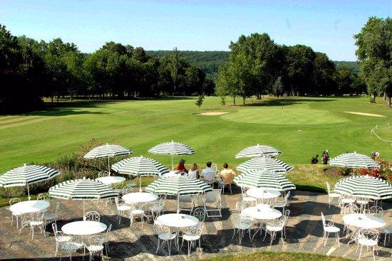 Le Coudray Montceaux, فرنسا: Terrasse du restaurant