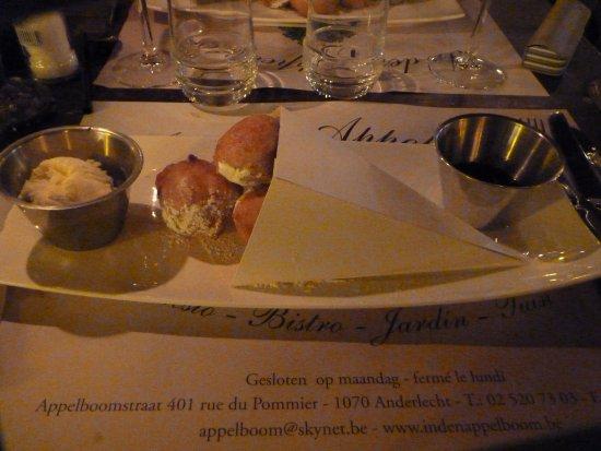 Anderlecht, Belgium: dessert croustillon boule de glace plus sirop au calvados