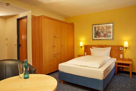 H+ Hotel & Spa Friedrichroda: Einzelzimmer im im H+ Hotel Friedrichroda