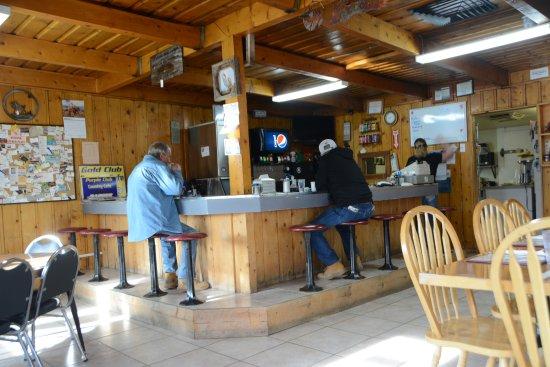 Loa, UT: Locals enjoying breakfast