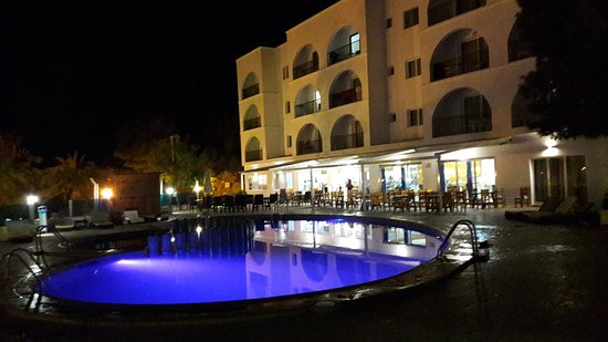 Hotel Cala Vadella Resort Photo