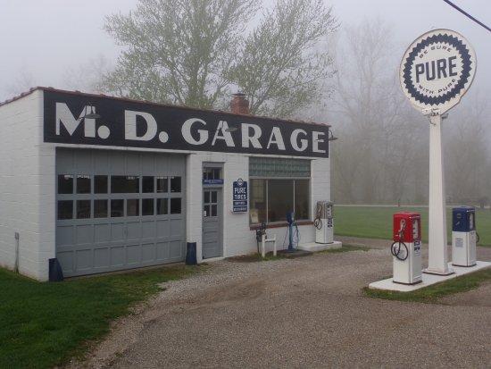 Brecksville, OH: M.D. Garage, Boston Township, OH