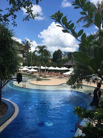 The Breezes Bali Resort & Spa: Paradise 🌴