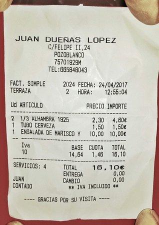 Pozoblanco, Spanien: El ticket de un SABLAZO.  10€ por 1 plato (recipiente) grande, con un pequeño montoncito de lech