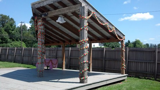 Williamsville, NY: Outdoor stage