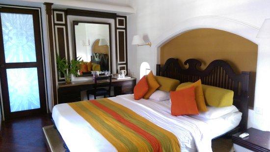 Cinnamon Lodge Habarana: IMAG4134_large.jpg