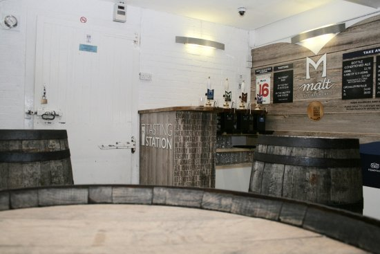 Great Missenden, UK: Inside the brewery tasting room