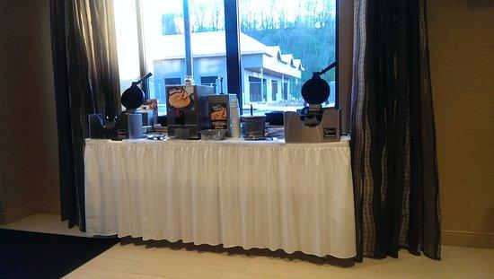 Steubenville, OH: breakfast buffet