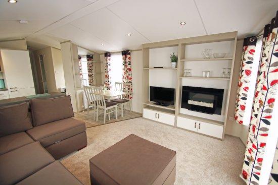 Milford on Sea, UK: Standard Caravan Lounge