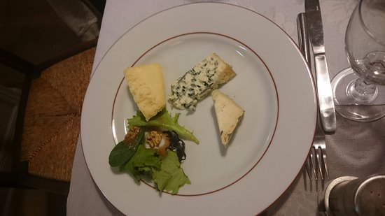 Argentat, Γαλλία: assiettes de fromages
