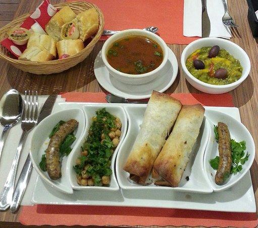 Kawa Cafe-Resto: assiettes méditerranéenne
