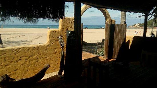 Tofo, โมซัมบิก: Beach Front View