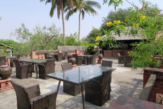 Thurizza Hotel Bagan : La terrazza