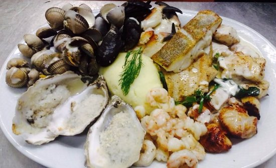 Killorglin, Irlanda: Nicks famous hot Seafood Platter