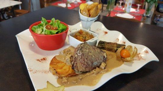 Saint-Pons-de-Thomieres, France: Pavé de Veau sauce Foie Gras et Morilles