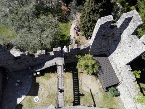 Perledo, Italien: Torre del castello
