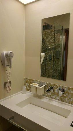 Dharma Hotel & Luxury Suites foto