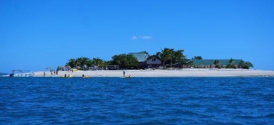 Νησί Denarau, Φίτζι: Approaching South sea island,