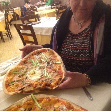 Marta, Italy: pizza fantastica