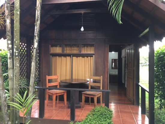 Hotel Arenal Green: Outside of our Cabin