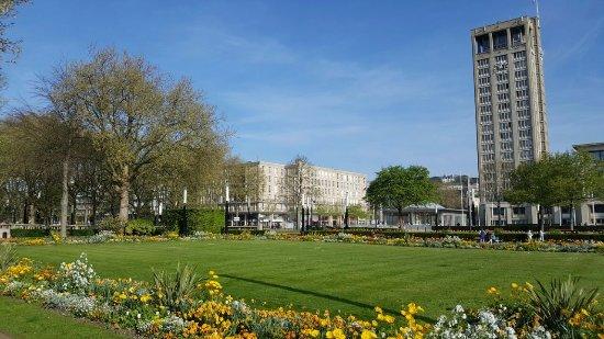 Jardins picture of jardins de l 39 hotel de ville le havre for Entretien de jardin le havre