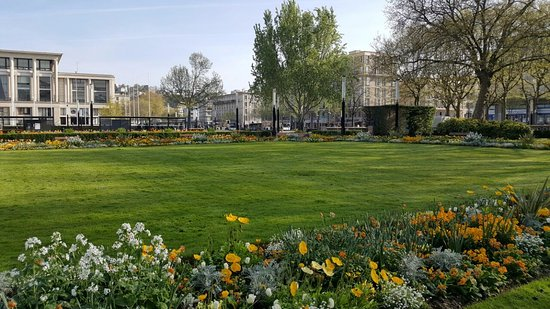 Jardins picture of jardins de l 39 hotel de ville le havre tripadvisor - Jardin japonais le havre ...