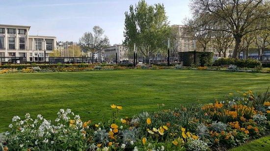 Jardins picture of jardins de l 39 hotel de ville le havre tripadvisor - Jardin fleurie le havre ...