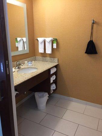 Logan, UT: Main bathroom with shower