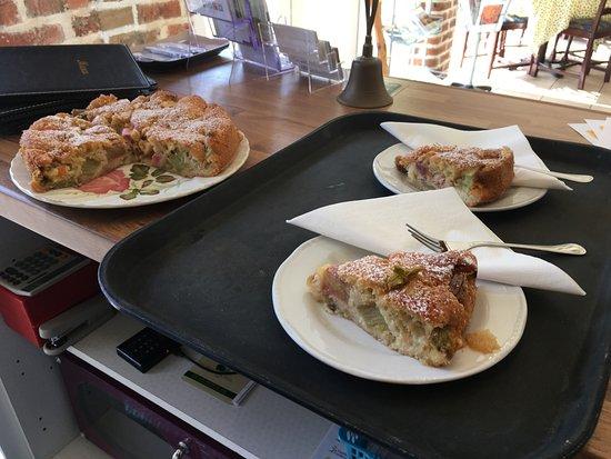 Wragby, UK: Rhubarb Cake