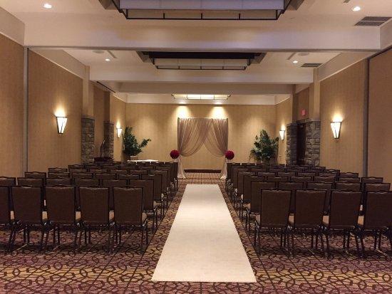 Doubletree Fallsview Resort Spa By Hilton Niagara Falls On Site Wedding Ceremony
