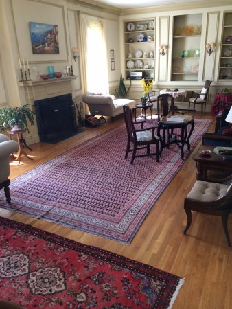 Rutland, VT: Drawing Room (rendezvous and plan your evening)