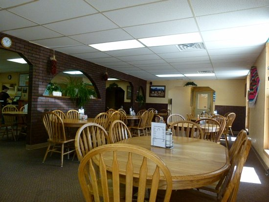 Saguache, CO : Comfortable pleasant dining decor